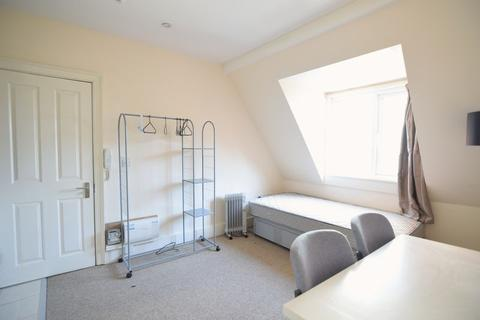 Studio to rent - Church Road, Hove- P439