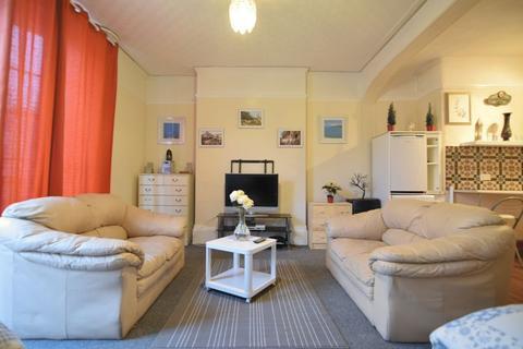 Studio to rent - Western Road, Brighton-P434