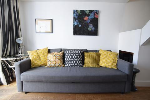 2 bedroom house to rent - Lower Market Street, Hove