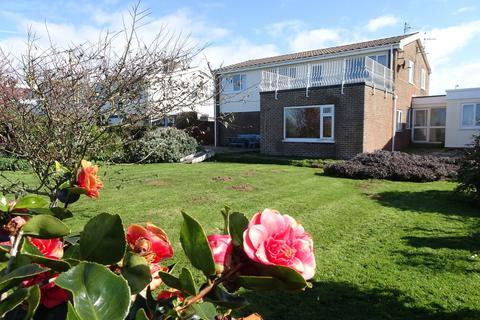 5 bedroom detached house for sale - REST BAY CLOSE, REST BAY, PORTHCAWL, CF36 3UN