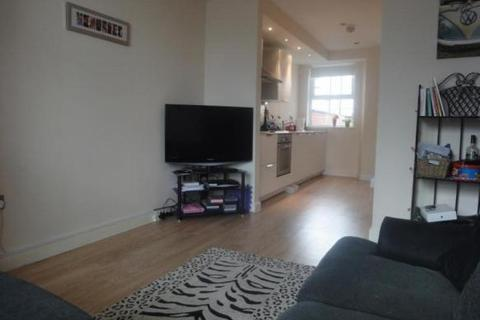 3 bedroom terraced house to rent - Cowesby Street, MANCHESTER M14