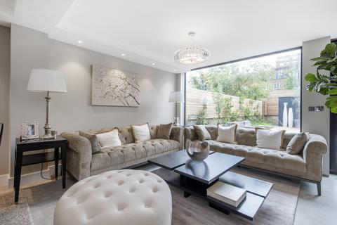 5 bedroom detached house to rent - Court Close, St John's Wood Park, London NW8