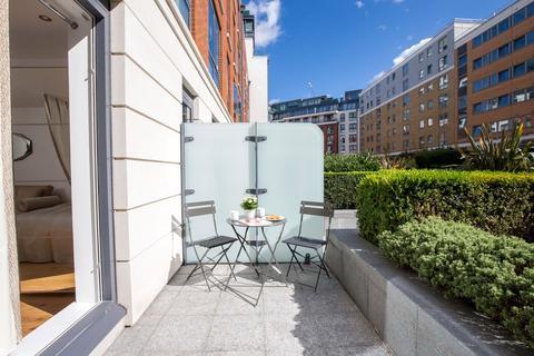 Studio to rent - Counter House, 1 Park Street, London