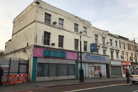 Shop to rent - Stoke Newington High Street, Stoke Newington, N16