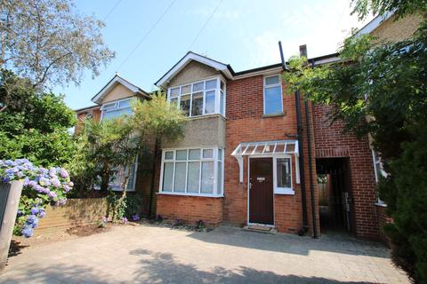 3 bedroom semi-detached house to rent - Southampton Bellemoor Road Unfurnished