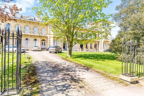6 bedroom terraced house for sale - Lypiatt Terrace, Cheltenham, Gloucestershire, GL50