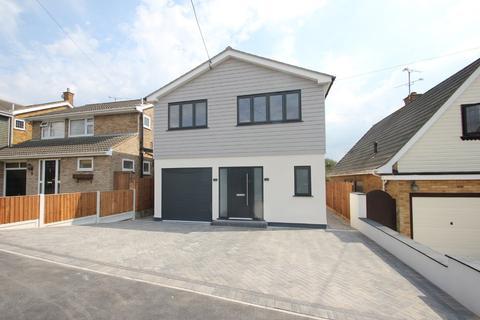 5 bedroom detached house for sale - Branksome Avenue, Hockley