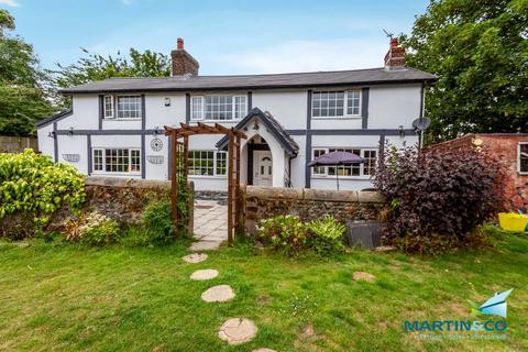 4 bedroom farm house for sale - Woodland Avenue
