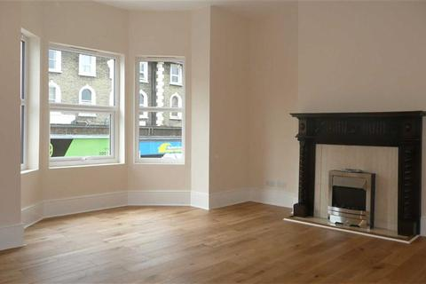 2 bedroom property to rent - Merton Road, South Wimbledon, SW19