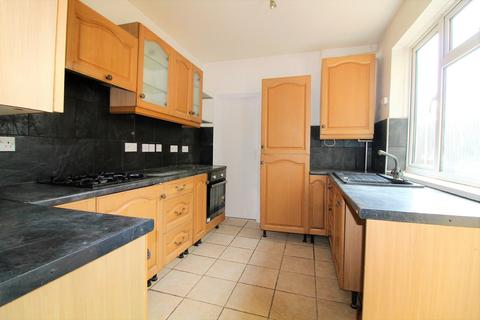 3 bedroom terraced house to rent - Holly Road, Enfield, Middlesex, EN3