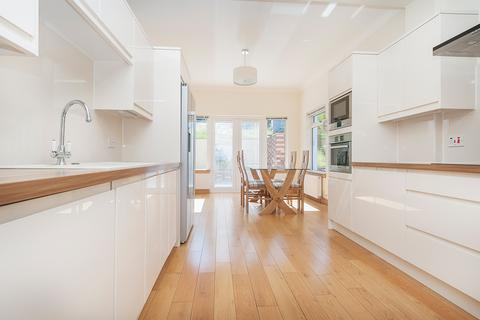 4 bedroom detached house to rent - Paisley Crescent, Edinburgh EH8