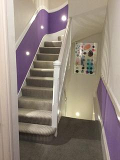Studio to rent - London W2