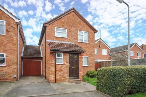 3 bedroom house to rent - Hemingway Road, Aylesbury, HP19