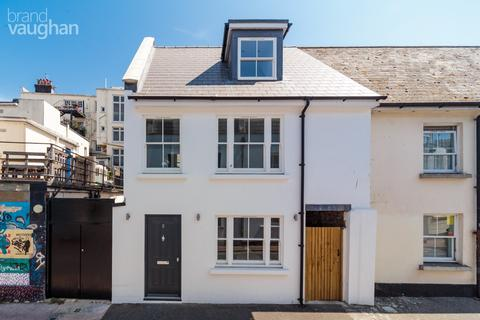 2 bedroom terraced house to rent - Gloucester Road, Brighton, BN1