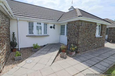 2 bedroom bungalow for sale - Swimbridge, Nr Barnstaple