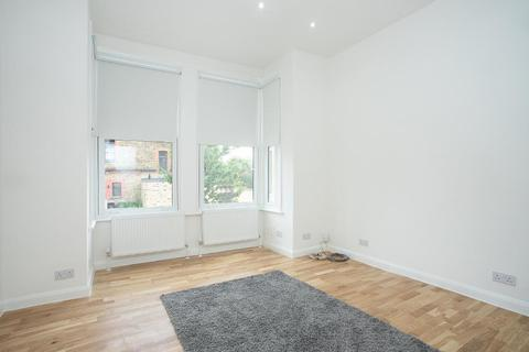 2 bedroom flat for sale - Thurlestone Road, West Norwood, London, SE27 0PE