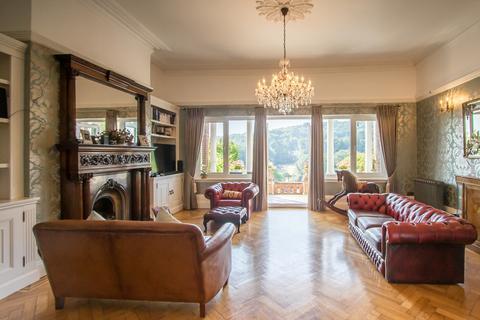 3 bedroom manor house for sale - Kearsney Court, Alkham Road, Dover