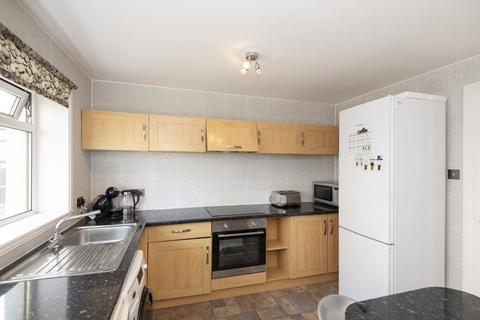 3 bedroom house to rent - 59 Shieldhill Gardens
