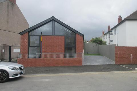 2 bedroom detached bungalow for sale - Aber Street, Grangetown, Cardiff