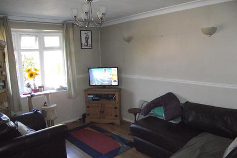 3 bedroom semi-detached house for sale - Clopton Crescent, Bacons End, Birmingham, B37