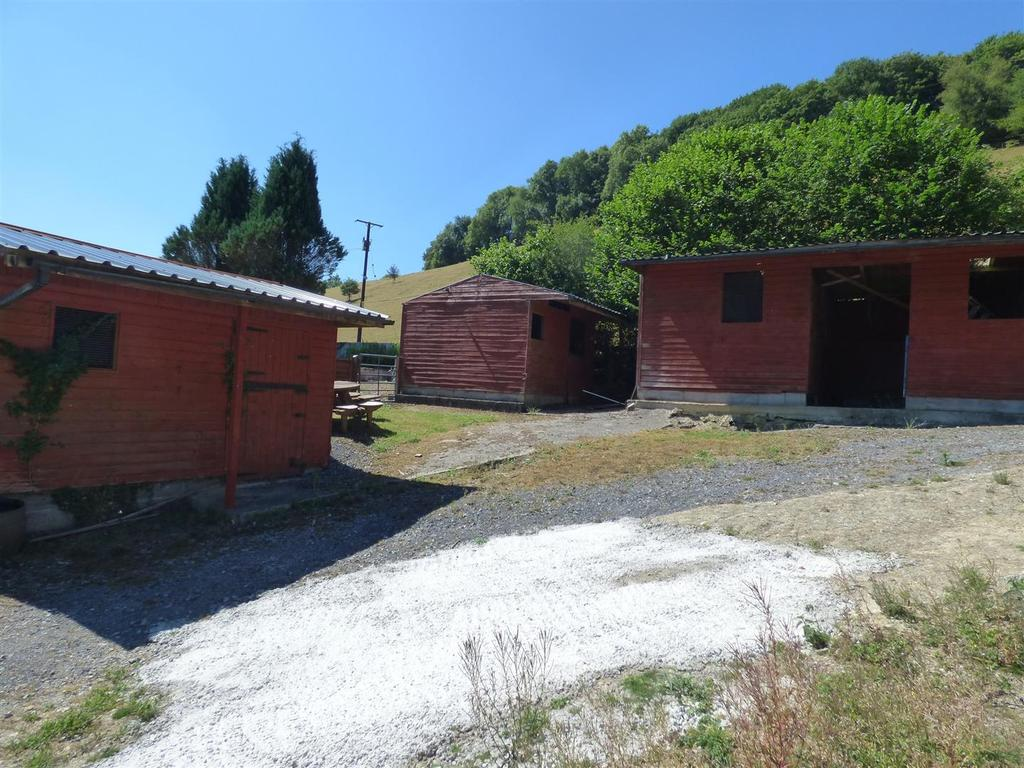 Stables/outbuildings