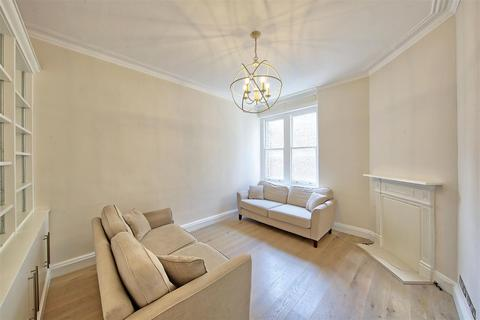 1 bedroom flat for sale - Prince Of Wales Drive, Battersea,