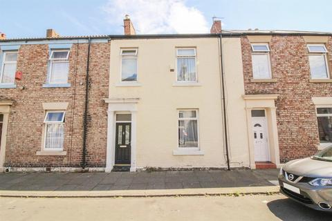 3 bedroom terraced house - Beaumont Street, North Shields