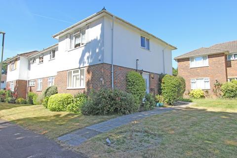 2 bedroom apartment to rent - Courtlands Crescent, BANSTEAD