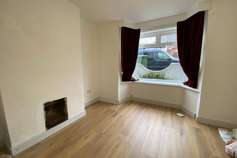 3 bedroom end of terrace house to rent - Woodside Road, Southampton