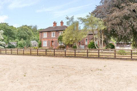 4 bedroom equestrian facility for sale - Llandeilo Road, Llandybie, Nr Ammanford, Carmarthenshire, SA18