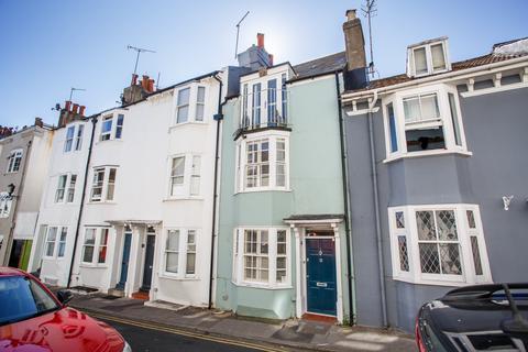 2 bedroom terraced house for sale - Margaret Street, Brighton