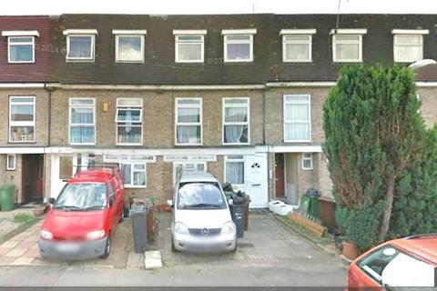 3 bedroom maisonette to rent - Victoria Road Dagenham Essex RM10 7XL
