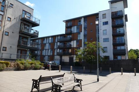 2 bedroom flat to rent - Howlands Court, Three Bridges, Crawley
