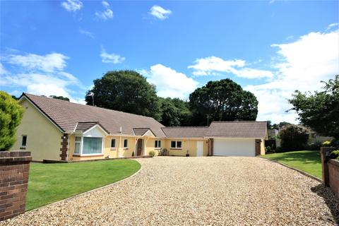 4 bedroom bungalow for sale - Peulwys Lane, Old Colwyn, Colwyn Bay LL29
