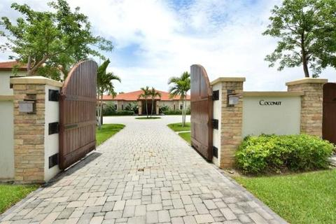 """8 bedroom detached house  - """"Coconut"""", Lyford Cay, New Providence"""