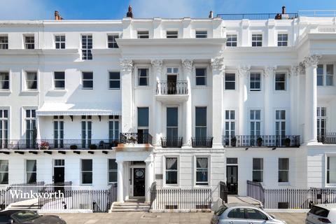 3 bedroom flat for sale - Arundel Terrace, Brighton, East Sussex, BN2