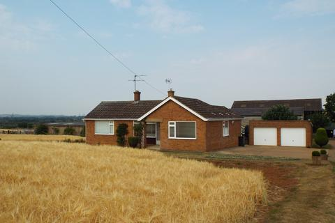 3 bedroom detached bungalow to rent - Wellingborough Road, Wollaston, Northamptonshire, NN297PY