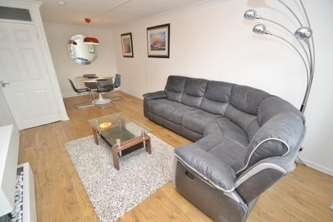 2 bedroom flat to rent - Ashley Cross