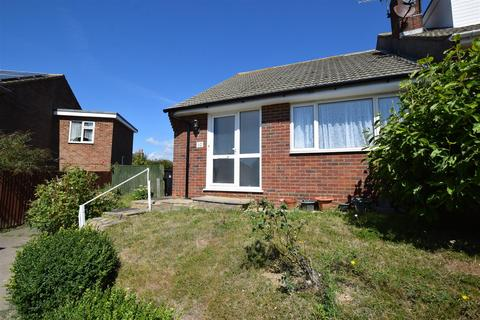 2 bedroom semi-detached bungalow for sale - Richland Close, Hastings