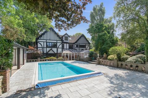 6 bedroom detached house for sale - Withdean Road, Brighton