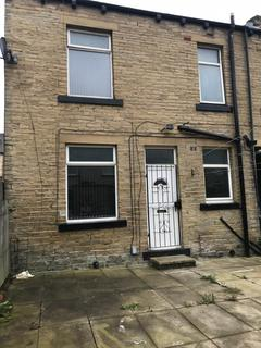 2 bedroom terraced house to rent -  Rayleigh Street,  Bradford, BD4