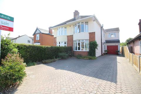 3 bedroom semi-detached house for sale - Straight Road, Colchester, Essex, CO3