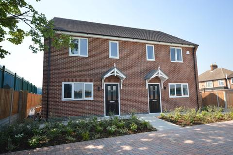 3 bedroom semi-detached house to rent - Berkshire Road, Aylestone, Leicester, LE2 8HB