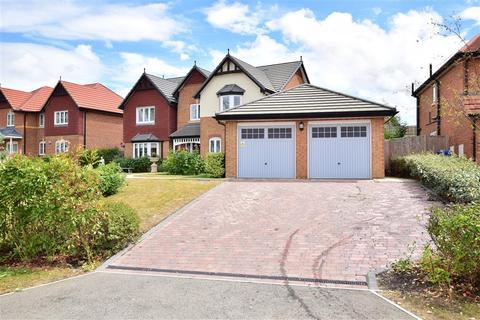 5 bedroom detached house for sale - Carey Close, Eastchurch, Sheerness, Kent