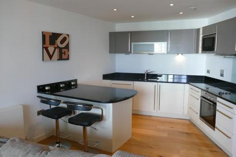 2 bedroom apartment to rent - CANDLE HOUSE, GRANARY WHARF, LEEDS, LS1 1GJ