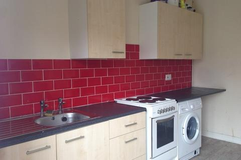 2 bedroom flat to rent - Woodfield Street, Morriston, Swansea, City And County of Swansea. SA6 8AQ