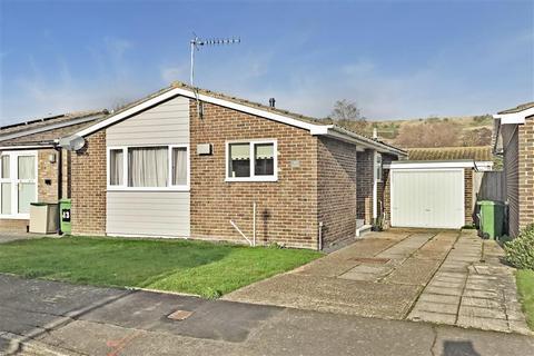 2 bedroom detached bungalow for sale - Dove Close, Hythe, Kent