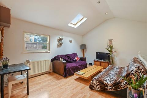 3 bedroom flat for sale - Usher Road, Bow, London, E3