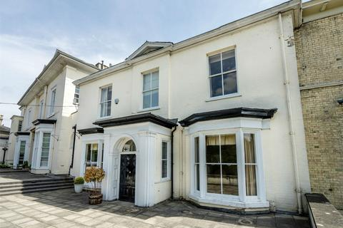 4 bedroom semi-detached house for sale - The Mount, York