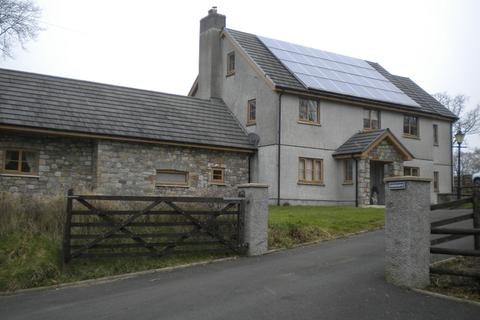 5 bedroom property with land for sale - Groeslwyd Argoed Road, Ammanford, Carmarthenshire. SA18 2PR